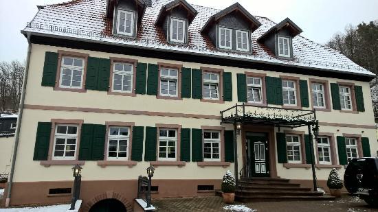 Ölmühle Hotel-Restaurant: Außenansicht