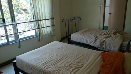 O Bangkok: Beds