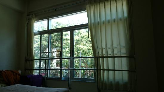 O Bangkok : Wide windows