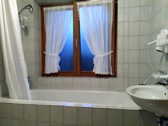 Gasthof Hirschen-Dorfmühle: Badezimmer