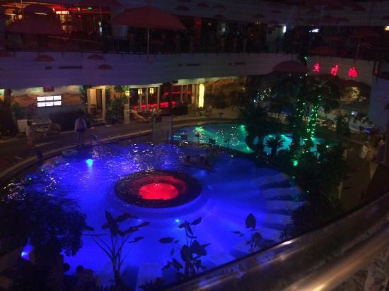 Desert Oasis Spa Hotel: 👎