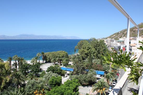 Hotel Park : Θέα από το χώρο του πρωινού.