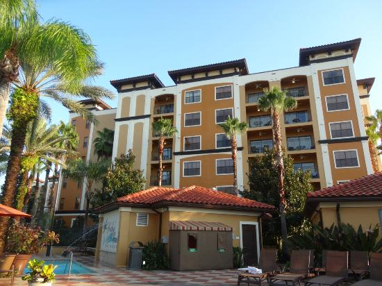 Floridays Resort Orlando: Beautiful exterior