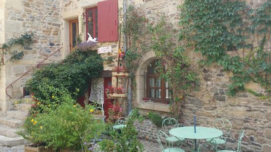 Sainte-Eulalie-d'Olt, Frankrig: Superbe cadre, mais c'est tout !
