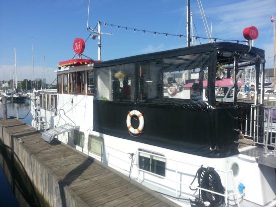 Albatros Boat Cafe