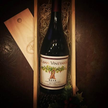 Tastes of the Valleys Wine Bar & Shop: Corporate gift program