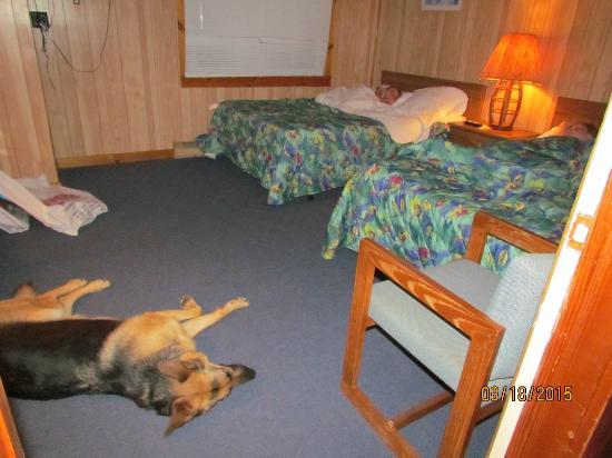 Sandspur Motel & Cottage Court: sleeping area