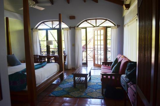 Hamanasi Adventure and Dive Resort: room 4