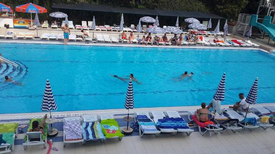 Luana Hotels Santa Maria: Havuz