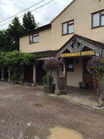 Watersmeet Hotel & Angling Centre: Outside
