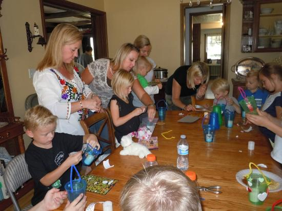 Eureka, UT: Kids making crafts in the dining area