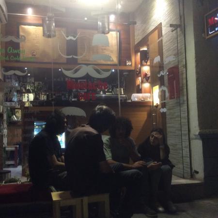 Mustache Cafe : Moustache Cafe by night