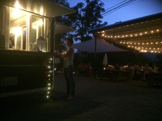 Three Rivers, CA: The Patio and Atmosphere