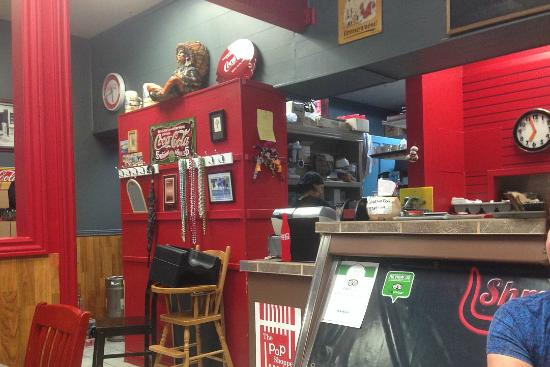 Shmokey's BBQ : Front counter