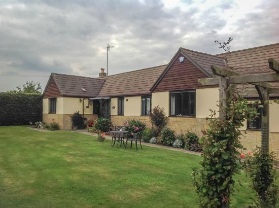 Long Meadow Bed and Breakfast