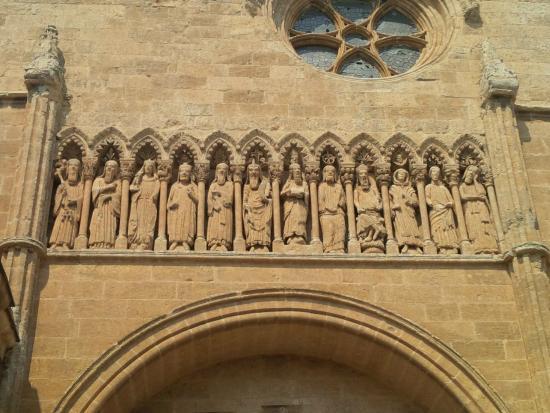 Resultado de imagen de puerta de la catedral ciudad rodrigo