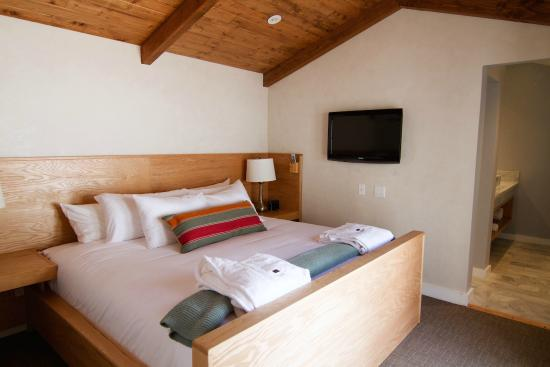 Calamigos Guest Ranch and Beach Club: Two Bedroom Suite Cottage