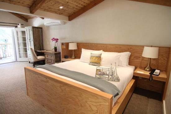 Calamigos Guest Ranch and Beach Club: King Size beds