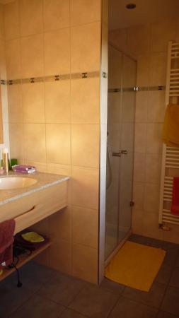 Ferme du Grand Hêtre : Notre jolie et confortable salle de douche