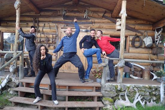 Sven's Basecamp Hostel: Happy all around in Ak !!