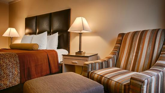 BEST WESTERN PLUS Northwoods Inn: King Room