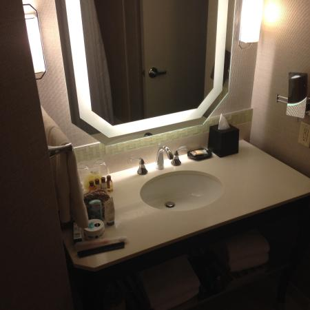 Sheraton New Orleans Hotel: Nice Bathrooms