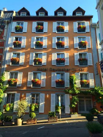 Hotel Deutscher Kaiser im Centrum: Außenansicht an einem Sommermorgen