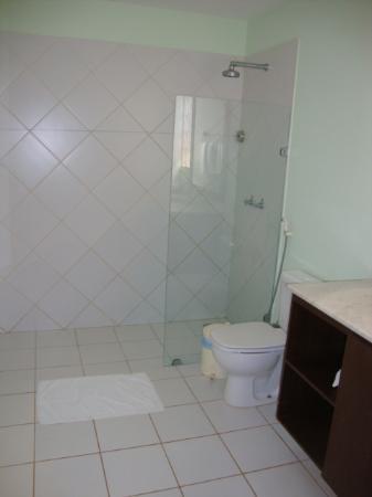 Pousada Dos Girassois: Banheiro Superior