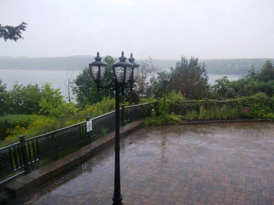 Aquarium du Quebec : View from restaurant over river