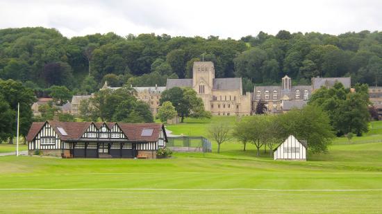 La foi catholique d`Angleterre – un rapide aperçu historique (musique et vidéo) Ampleforth-abbey