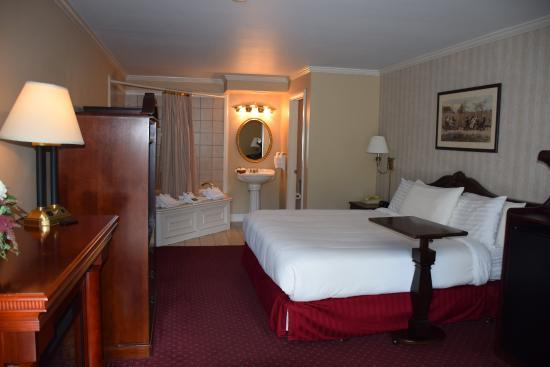 Dayton Ohio Jacuzzi Hotel Rooms
