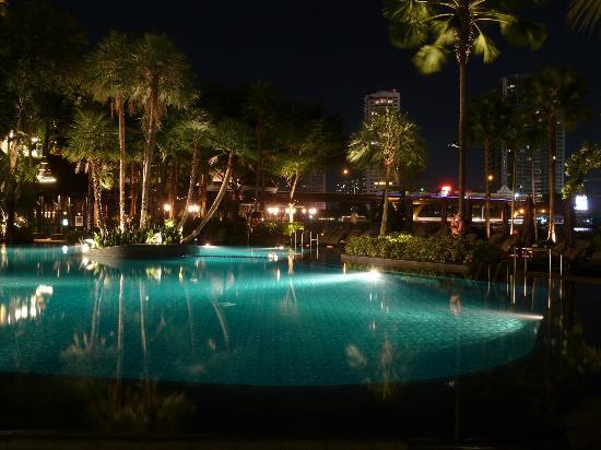 Shangri la bangkok piscina picture of shangri la hotel bangkok bangkok tripadvisor - Hotel bangkok piscina ...