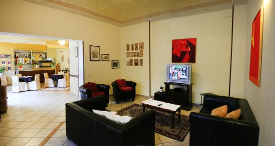 Hotel Nobile: Saletta TV