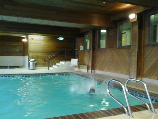 Best Western Plus Meridian: BW indoor pool.