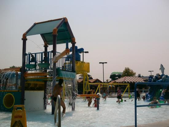 Roaring Springs Waterpark: Kiddie area