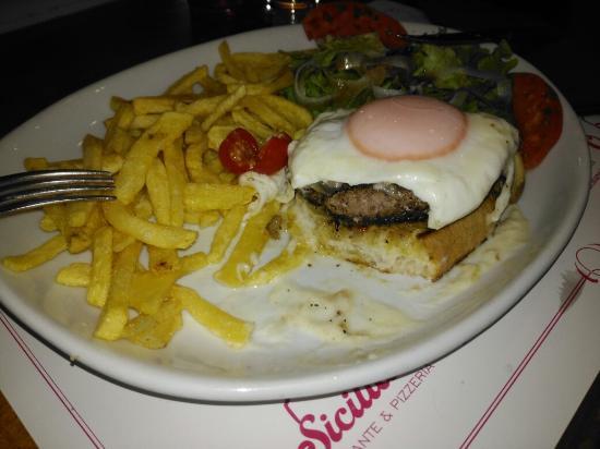 O Siciliano: Hambúrguer a siciliano. O melhor de sempre...