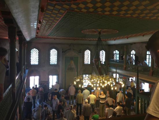 Travnik, Bosnia and Herzegovina: Sarena dzamija - friday prayer