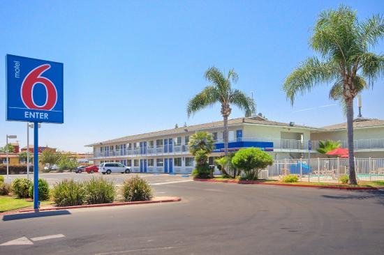 Motel 6 Tulare: Exterior