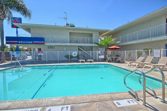 Motel 6 Tulare: Pool