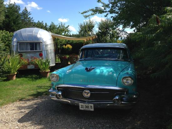 Belrepayre Airstream & Retro Trailer Park: Buick 56 and OL 57