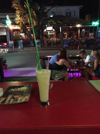 Avalon Club/Bar : Many visits over our two week stay great drinks