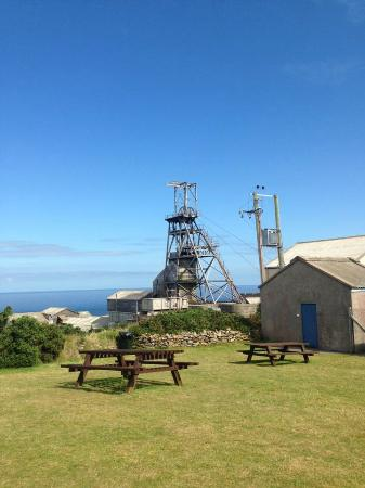 Kenegie Manor Holiday Park: geever tin mine