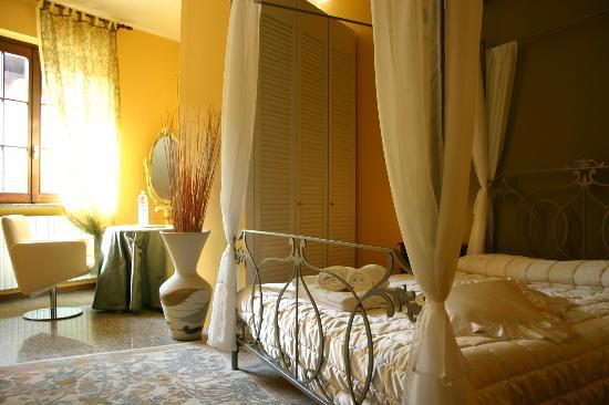 B&B Suite Manzoni: La romantica Suite Camino