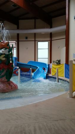 Grand Marquis Waterpark Hotel & Suites