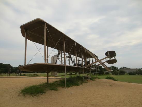 Wright Brothers National Memorial: Replica plane