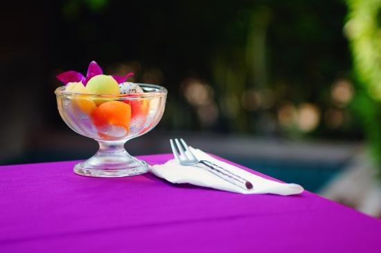 Tango Luxe Beach Villa: A nice fruit dish