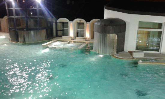 terme di casciana la piscina esterna