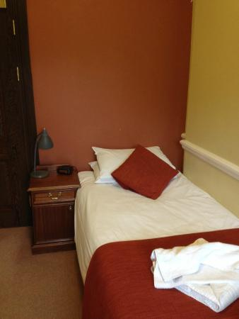 The Cosener's House: Guest room in main house
