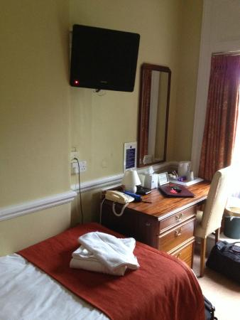 The Cosener's House: Guest room
