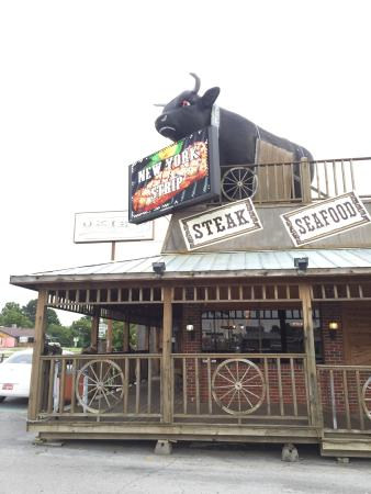 Okies Steakhouse & Saloon: Okies Entry